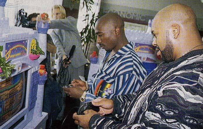 Classic Photo: Tupac Shakur and Suge Knight playing Sonic the Hedgehog 2 on a Sega Mega Drive