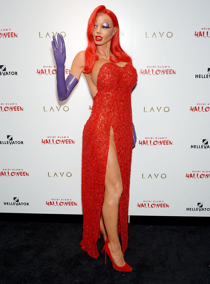 Heidi Klum wins the most awesome costume makeup again with her flawless Jessica Rabbit getup! http://costumeplaybook.com/movies/1028-roger-rabbit-jessica-couple-costume/