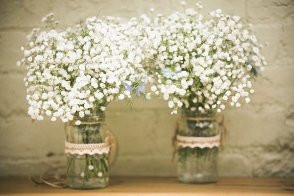 I love rustic and I love gypsophila. This is a beautiful combination. Kirsty | Hitch and Moon x