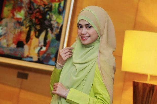 Heliza Helmi Kagumi Felixia Yeap & Neelofa Dalami Ilmu Islam ~ Berita internet hangat!