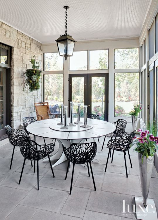 Contemporary Outdoor Dining Set - Luxe Interiors + Design