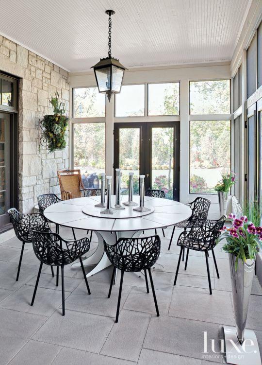 Contemporary Outdoor Dining Set - Luxe Interiors + Design