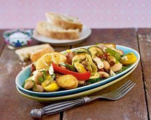 Das Rezept für Antipasti-Salat aus dem Ofen und weitere kostenlose Rezepte auf LECKER.de