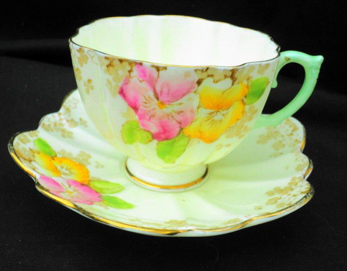 Paragon art deco fluted yellow pink pansy cream Tea cup and