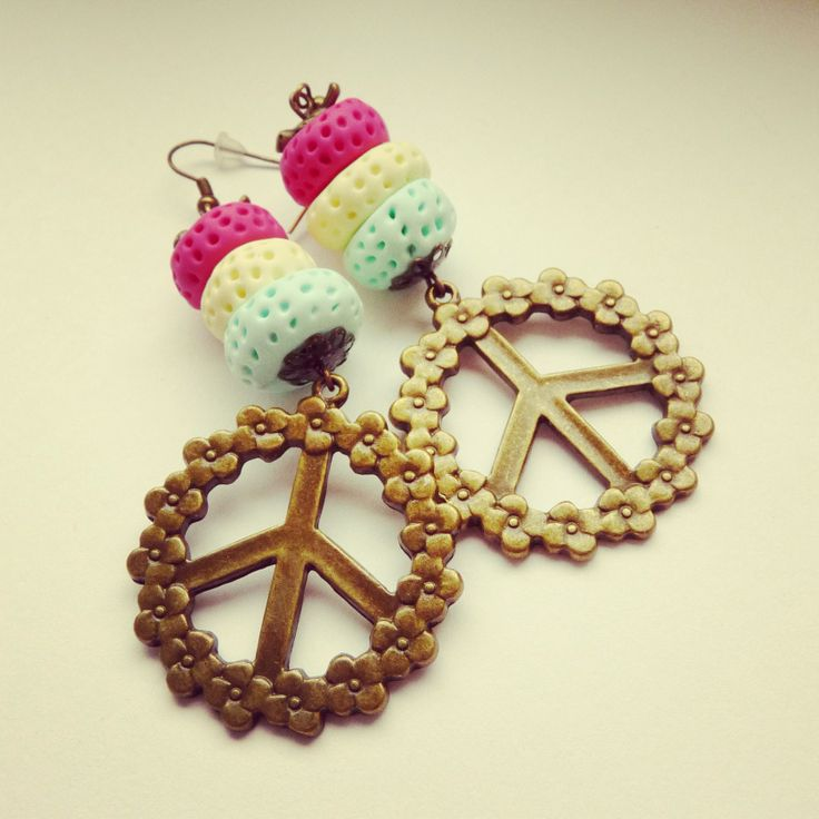 hippies earrings hand made (FIMO) pink, mint, yellow, peace, flowers BY SHARYS