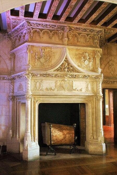 27 best Castle fireplace images on Pinterest   Castle interiors ...