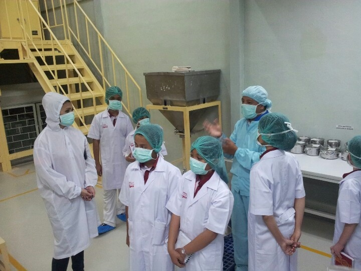 Melihat proses mixing di pabrik Pigeon