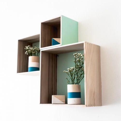 Apprenez à customiser des petites boites de rangement en bois dans un style scandinave pour votre salon, votre salle de bain ou vos chambres.