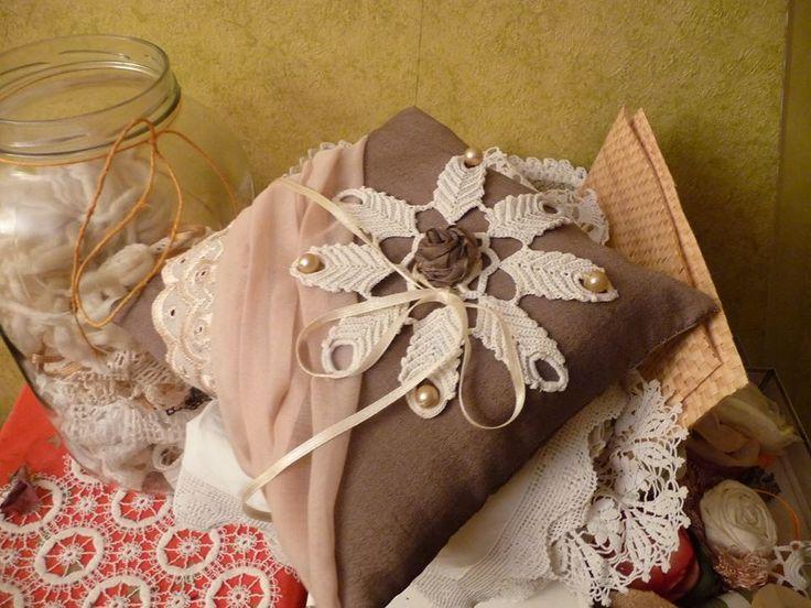 Pillow ring, Gyűrűpárna , vitange, lila