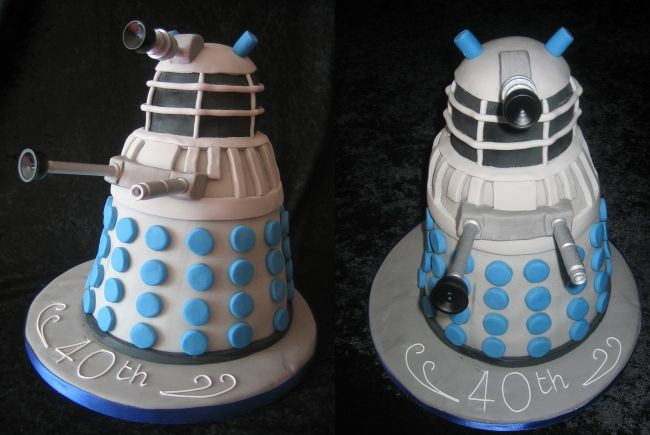You can tell that this cake was made for an old person, but because of ' 40th' written on it in icing, but because the Dalek is silver and blue. Description from forum.eternalcrusade.com. I searched for this on bing.com/images