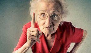 Γυναίκες που πάτησαν τα 100 μας δίνουν τις 30 πολύτιμες συμβουλές τους... 1. Όταν έφτασα τα 100, πήγα μπροστά από τον καθρέφτη και ευχαρίστησα το Θεό