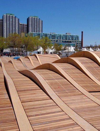 Un Puente en Toronto -Sobre las olas, antes de llegar al mar… Simcoe WaveDeck es una de las cuatro olas canadienses previstas pra la zona de Centro Toronto Waterfront (Lago Ontario).