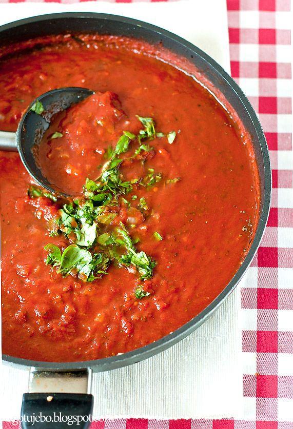 Uniwersalny sos potrójnie pomidorowy