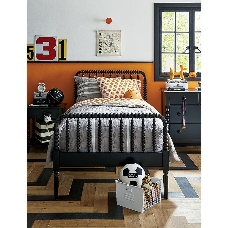 Jenny Lind Kids Bed (Black) Crate and Barrel Big boy