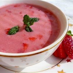 Liquid Diet for the next few days so~~~~~~~Strawberry Soup a la Kiev Recipe - Allrecipes.com
