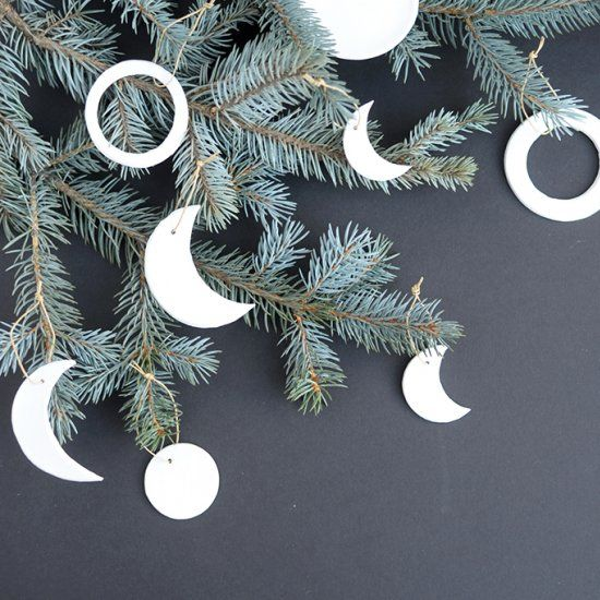 Make these simple, modern moon ornaments for your Christmas tree. Such a great idea for a gift topper, too!