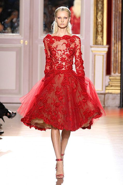 Alta Costura. This is probably one of the only things I've ever seen on a runway that I would actually wear.