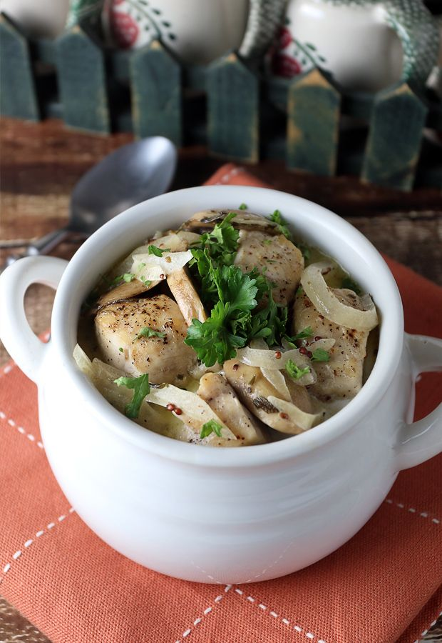 Creamy Tarragon Chicken that's ready in under 20 minutes! Shared via https://www.facebook.com/LowCarbZen