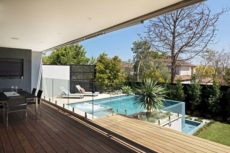 Infinity Plunge Pool & Spa, Kew - Neptune Pools