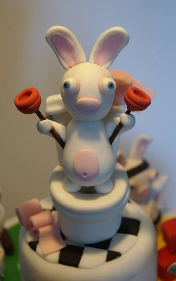 45 best raving rabbids cake images on pinterest - Gateau lapin cretin ...