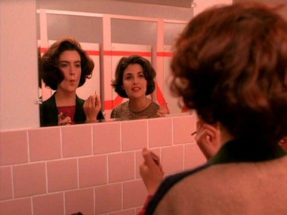 Recap of Twin Peaks Season 1 Episode 3 (S01E03) - 16