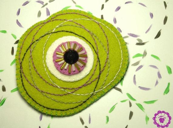 Broche fieltro bordado color verde / Loopies - Artesanio