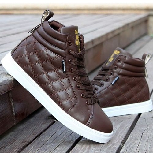 les 25 meilleures id es de la cat gorie sneakers luxe homme sur pinterest baskets de luxe. Black Bedroom Furniture Sets. Home Design Ideas