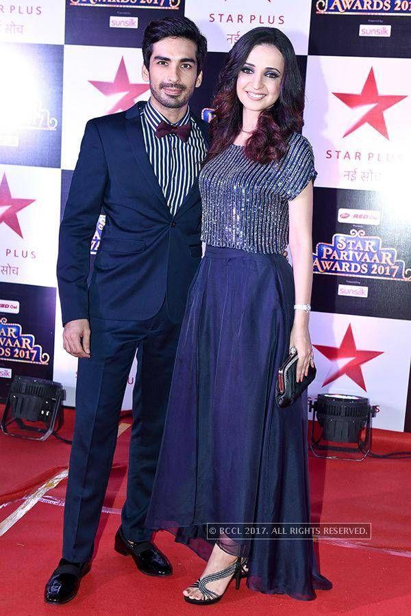 photogallery.maharashtratimes.indiatimes.com awards awards-and-honours star-parivaar-awards-2017 mohit-sehgal-and-sanaya-irani-at-star-parivaar-awards-2017 articleshow 58666172.cms