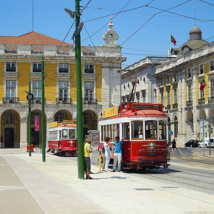 Hills Tramcar Tour   Lisbon. #yellowbustours #eletrico #bonde #tram #tramway #cityshots #citylife #streetphotography #pracadocomercio #terreirodopaço #lisboa #lisbon #lisbonne #lissabon #lisbona #Лиссабон #里斯本 #リスボン #instalike #instalisboa #instalisbon #instatravel #instacool #instagood #welovelisbon #visitlisboa #visitlisbon #visitportugal #portugal #walkinginlisbon