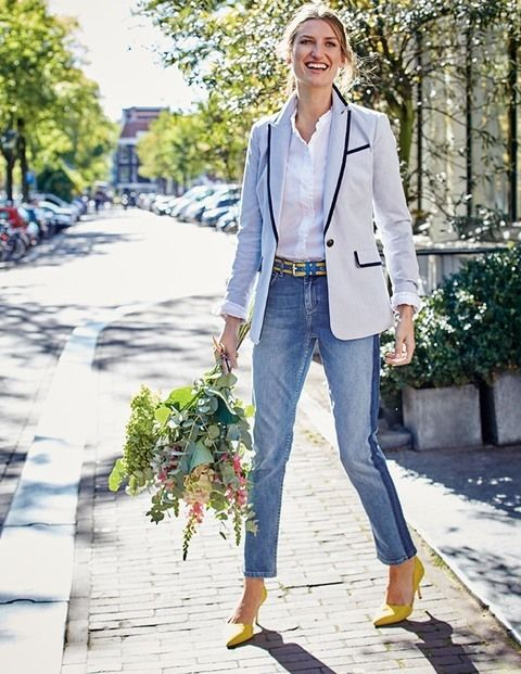 A good blazer sharpens up any outfit, whether it's jeans and trainers or a tea dress and flats. This one brings a touch of fun too, with playful colours, smart contrasts under the collar and beautifully designed buttons with a nautical theme. Shipshape!