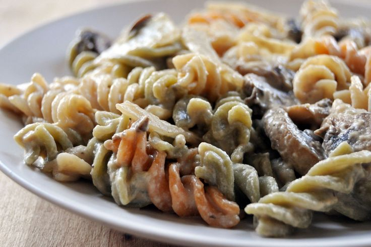 <p>This Vegan Cashew Alfredo Sauce is my go-to for all types of pasta dishes. It's incredibly rich and creamy- you absolutely won't miss the dairy! </p>