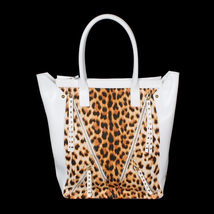 This Just Cavalli tote bag with a leopard print and multiple zippers is a statement maker with a lot of attitude! #robertocavalli #cavalli #ss13 #luxuryfashion #abudhabi #greenbird #leather #animalprint #handbag #purse #italianfashion #instafashion #leopard #totebag #zippers #moda #marinamall
