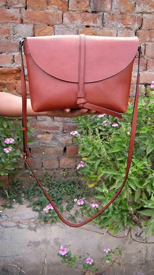 Gingerbread Big Stella, Chiaroscuro, India, Pure Leather, Handbag, Bag, Workshop Made, Leather, Bags, Handmade, Artisanal, Leather Work, Leather Workshop, Fashion, Women's Fashion, Women's Accessories, Accessories, Handcrafted, Made In India, Chiaroscuro Bags - 1