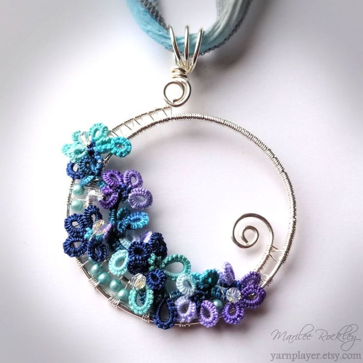 "Yarnplayer's Tatting Blog: Silver tatted pendant and ""Stonehill Wine"" hand dyed thread"