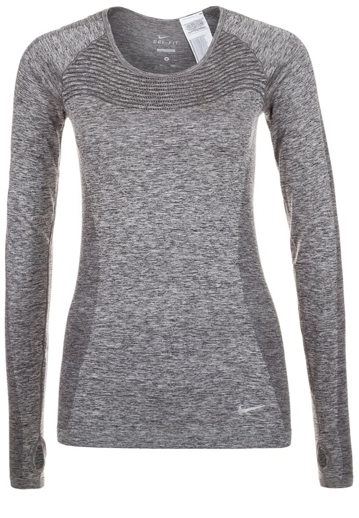 Femme Nike Performance T-shirt à manches longues - black/reflective silver gris: 74,95 € chez Zalando (au 08/10/16). Livraison et retours gratuits et service client gratuit au 0800 915 207.