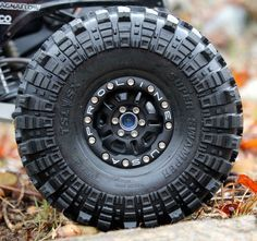 Proline Faultline bead-lock wheel