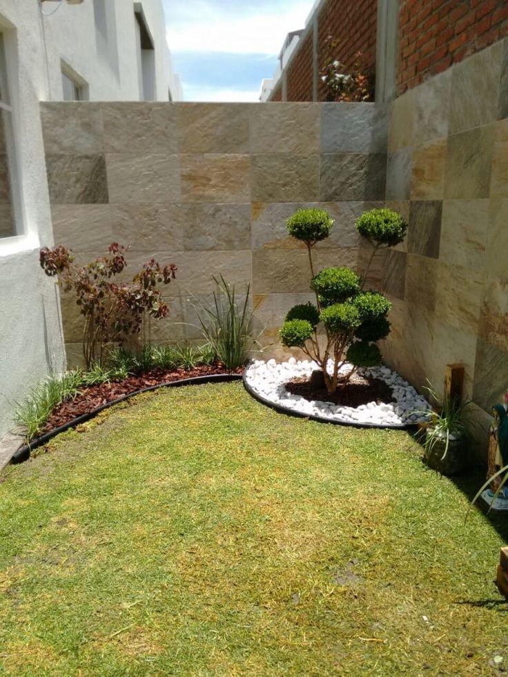 Busca imágenes de diseños de Jardines estilo minimalista: DISEÑO DE JARDÍN VELAZQUEZ. Encuentra las mejores fotos para inspirarte y y crear el hogar de tus sueños.