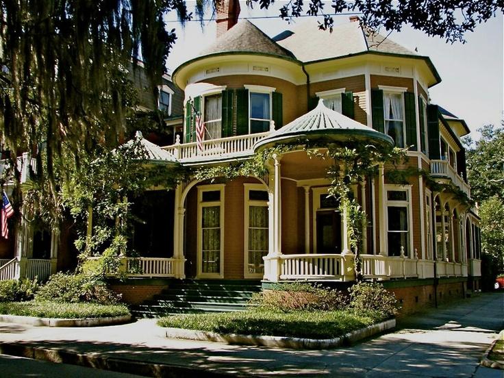 107 best houses savannah ga images on pinterest savannah for Historic houses in savannah ga