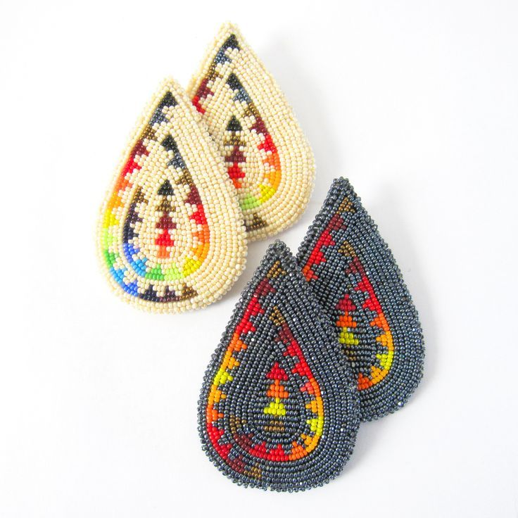 """keepcalmbeadon: """"Pyramids beaded earrings by Chenoa Williams (Pyramid Lake Paiute) """" The design of these earrings is well done."""