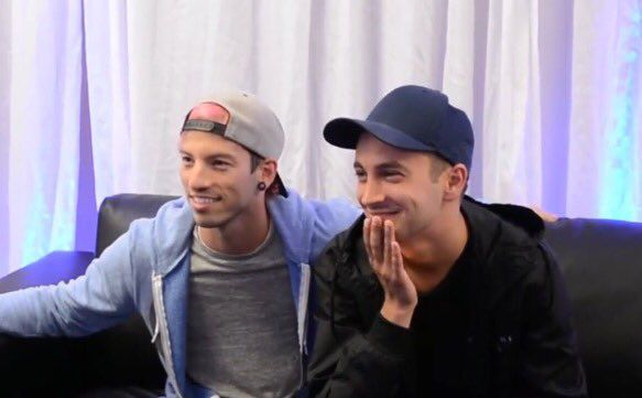 THE CLIQUE US GOING TO BE UP ALL NIGHT WAITING FOR THE HEATHENS MUSIC VIDEO TO DROP EVEN THOUGH ITS PROBABLY A RUMOUR