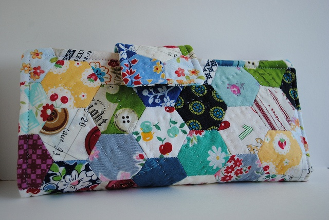 Hexagon Patchwork Wallet by quarter inch mark/ Chase, via Flickr