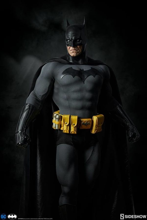 DC Comics Legendary Scale Batman From Sideshow Toy