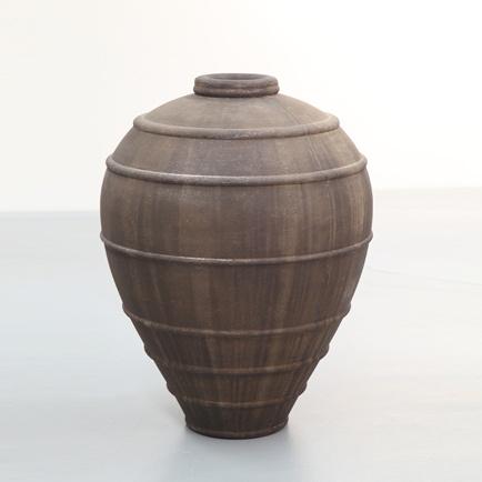 Large rustic feature pot