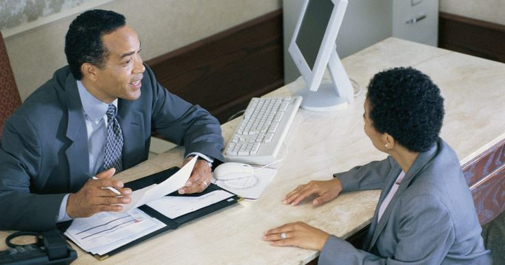 Por qué utilizar una solicitud de empleo. Para cualquier trabajo que solicites, debes rellenar una solicitud de empleo. En muchos casos, se te pedirá que rellenes una incluso si se repite gran parte de la información en tu hoja de vida. Una solicitud de empleo es la primera pieza de documentación que llenarás para tu nuevo trabajo y nunca tendrás una segunda oportunidad en una primera ...