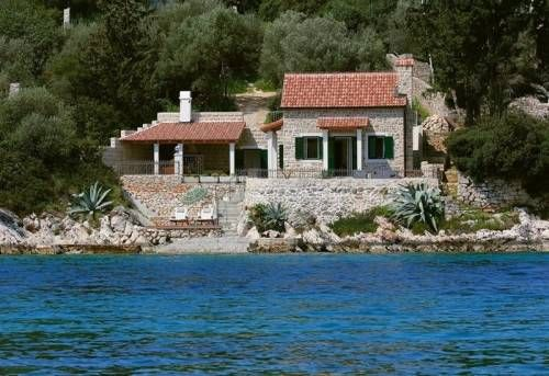 #VillaStariGrad is a mixture of #luxury and #tradition located 9m from private beach and boat pier in #bayStAnton 3km from #StariGrad on #islandHvar Villa is ideal for #StariGradFamilyVacation #summerHolidaysHvar #boaters and #waterSports  For other offer of #StariGradHolidayRentals or #CroatiaVacationRentals visit http://www.holidaystocroatia.org/ and find best accommodation for your #CraotiaVacation2017