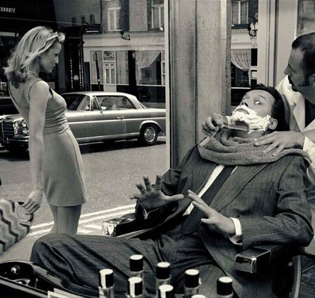 Barber shop #dangerous #danger #caution #friday #fridays #barbershop #baber #sëxygïrl #sexy #love #fashion #fashionblogger #paris #france #parisienne #blondie #blondegirl #streetphotography #street #window #bw #bwphotography #bnw #blacknwhite #photography #photo #pictureoftheday #picture #mercedesbenz •via• @jaapjaapdehaan_25