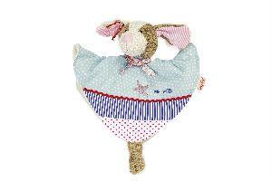 DOLCE PERRO DE TELA ACARICIABLE Los doudous son el compañero perfecto desde el primer día de vida: hacen que los bebés se calmen deben estar siempre ahí. Ellos ayudan a conciliar el sueño y acompañar al bebé a lo largo del día. Conveniente para los recién nacidos. Medidas aproximadas: 35 cm Edad recomendada: A partir de 0 meses PVP: 21 € #juguetesbebe #doudou http://www.babycaprichos.com/dolce-perro-de-tela-acariciable.html