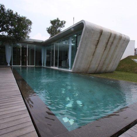 Casa in comuniune cu natura - creatie Budi Pradono- Inspiratie in amenajarea casei - www.povesteacasei.ro