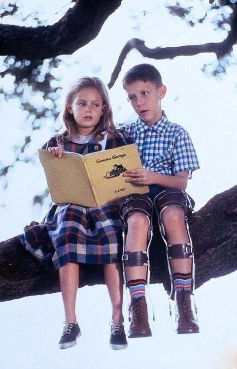 Forrest Gump | Forrest and Jennie reading Curious George in tree