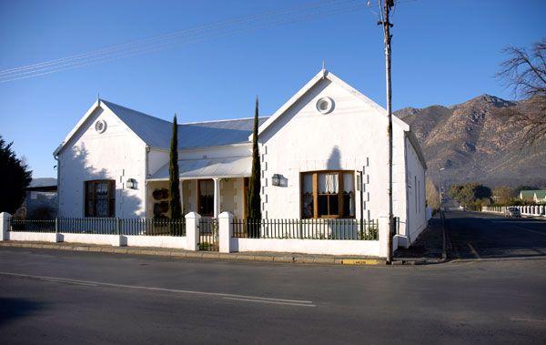 The Vineyard Country House: http://www.lekkeslaap.co.za/akkommodasie/the-vineyard-country-house (Foto: Lana Kenney)